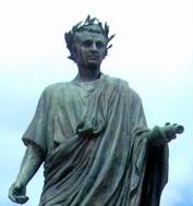 Statua_di_Orazio en Venosa